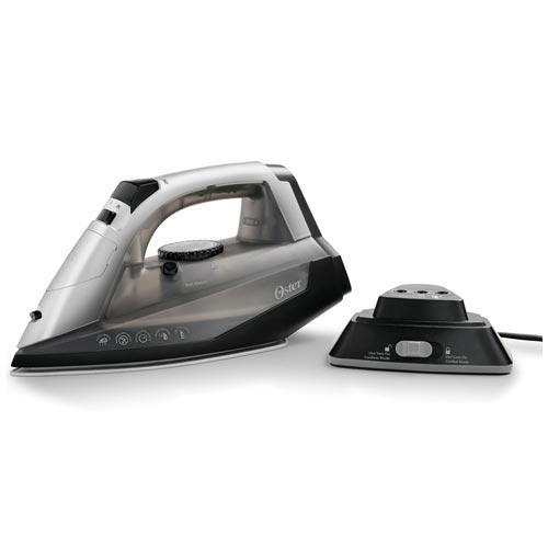 Ferro a Vapor Oster com 05 Níveis de Temperatura, Vapor Vertical e Sistema Corta Pingos - GCSTCC 3000